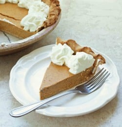 Low Carb & Gluten Free Pumpkin Cheesecake Pie