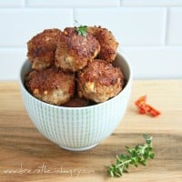 low carb and gluten free sundried tomato and feta meatballs
