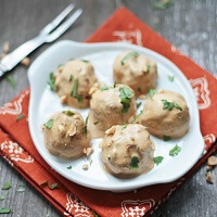 a low carb meatball recipe from Mellissa Sevigny of Ibreatheimhungry.com