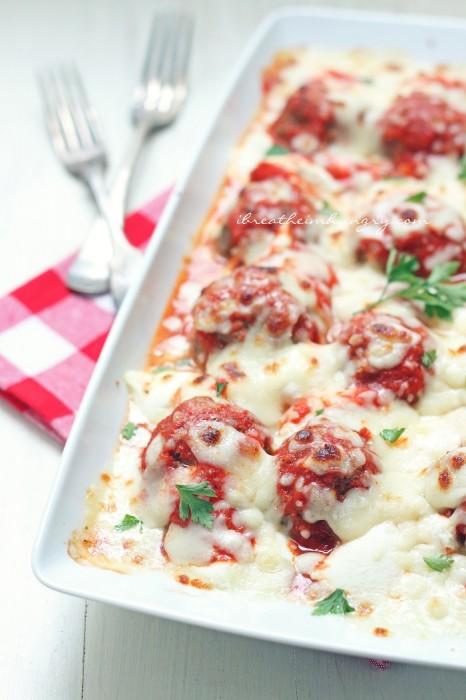 a keto friendly Italian meatball recipe from Mellissa Sevigny of I Breathe Im Hungry