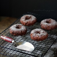 A low carb apple cider donut recipe from Mellissa Sevigny of I Breathe Im Hungry