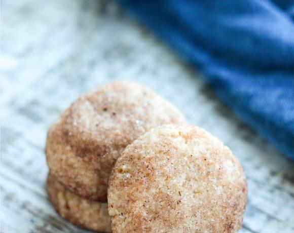 These low carb snickerdoodles are super easy and freeze perfectly!