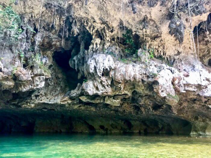 Cavetubing in Belize 5