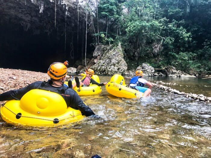 Cavetubing in Belize 16