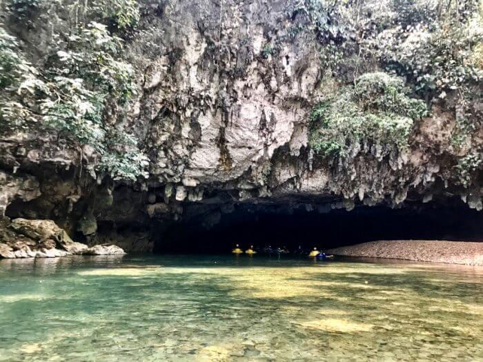 Cavetubing in Belize 11