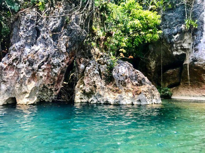 Cavetubing in Belize 18