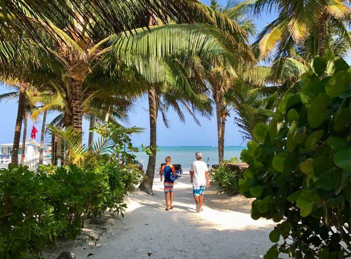 Amber Beach Bar, Ambergris Caye Belize