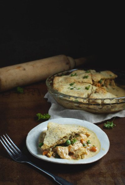 This Keto Chicken Pot Pie is the perfect fall comfort food! A low carb chicken pot pie the entire family will love!