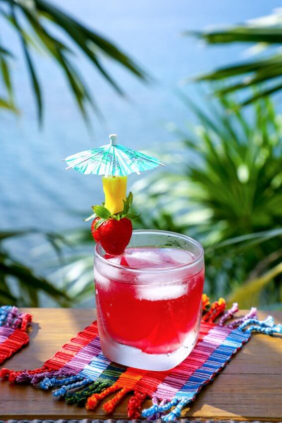 Easy Keto Rum Punch – Low Carb