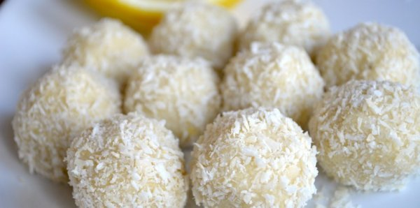 Best Keto No Bake Desserts - lemon truffles