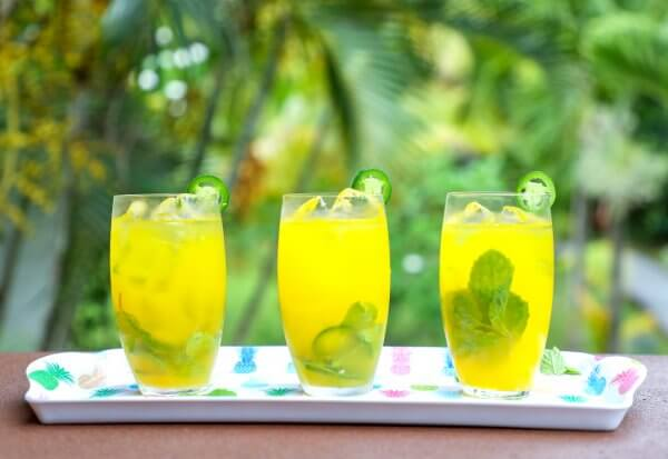 Keto Spicy Mango Mojitos on a white tray